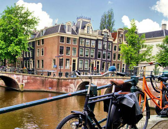 Культурная и финансовая столица Нидерландов - Амстердам