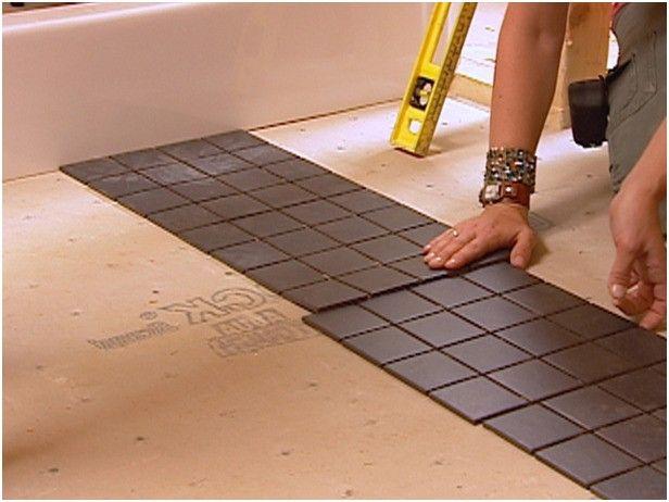 Укладка кафельной плитки на полу — своими руками