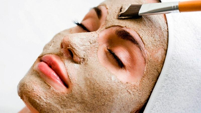Приготовление и секреты применения масок для лица из бесцветной хны