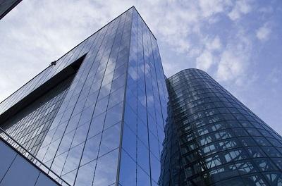 Остекление фасадов высотных зданий