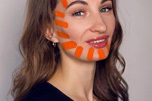 Тейпирование лица — чудо процедура или обман косметологов?