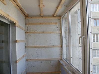 Черновые работы по отделке потолка на лоджии