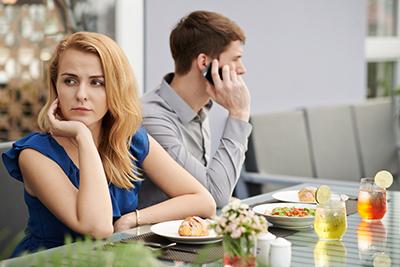 Семь смешанных сигналов о романтических отношениях