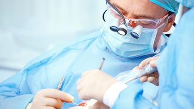 Предоперационная механическая обработка поверхности корня при хирургическом устранении рецессий десны