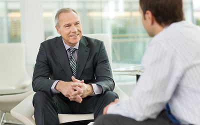 Как молодые продажники могут завоевать клиентов в возрасте и со сложившимся жизненным опытом